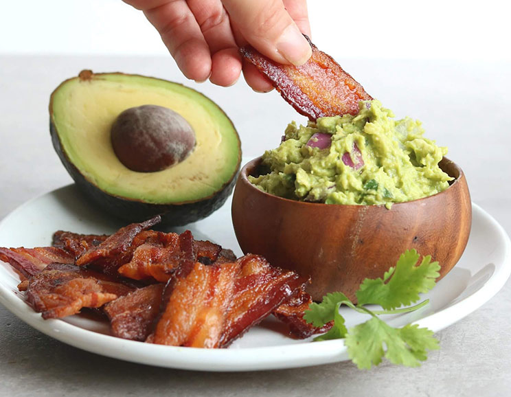 Bacon-Chips-and-Thick-Guacamole-Dip744.jpg