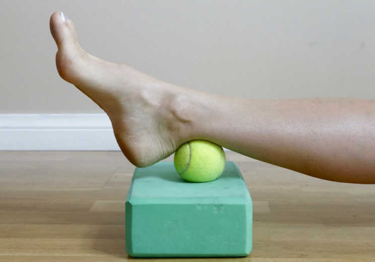 Achilles-Roll-Out-with-Ball.jpg