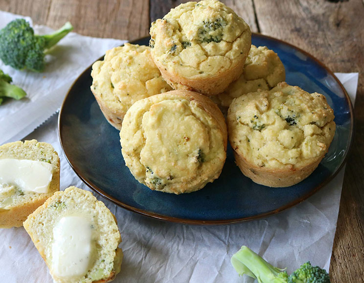 Cheesy-Broccoli-Breakfast-Muffins744.jpg